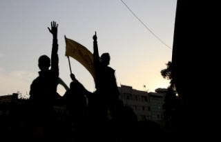 İran'da rejim yanlıları 'karşı eylem'...