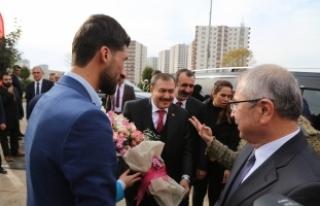 Orman ve Su İşleri Bakanı Eroğlu: GAP dünyaya...