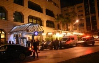 Otelin 28'inci katından ölüme atladı