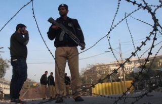 Pakistan'da üniversite yurduna saldırı: 11...