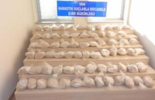 Van'da minibüste 70 kilo eroin ele geçirildi