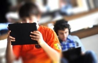 Akıllı ekranlar her 2 kişiden birini miyop yapacak