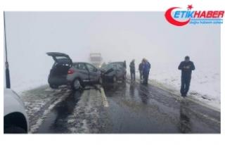 Aksaray'da iki otomobil çarpıştı: 1 ölü,...