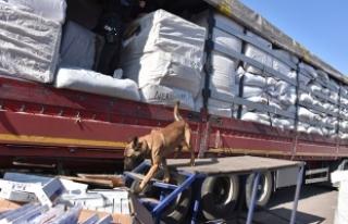 Aksaray'da 50 bin paket kaçak sigara ele geçirildi