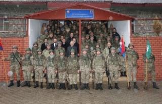 Bakan Soylu'dan Şırnak'ta tabur komutanlığına...