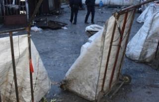 Beylikdüzü'nde yangın: 3 işçi hayatını...