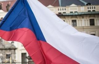 Çekya'da Cumhurbaşkanlığı seçimi ikinci...