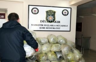 Diyarbakır'da 564 kilo esrar ele geçirildi
