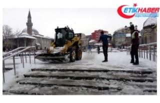 Doğu'da 650 köy yolu ulaşıma kapandı