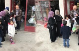 Emeklinin 'Umut Hayır Mağazası'ndan 3 bin aileye...