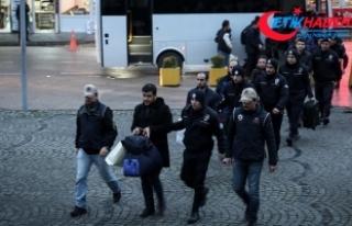 FETÖ'den gözaltına alınan muvazzaf 12 subay...