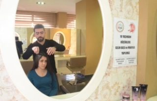 Gaziantep'teki kuaförler çocuk gelinlere saç...