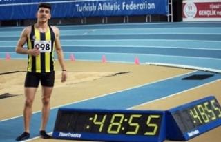 Genç atlet İlyas Çanakçı'dan Türkiye rekoru