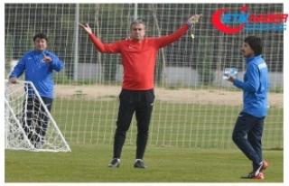 Antalyaspor'da Hamza Hamzaoğlu ile Yollar Ayrıldı