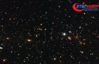 Hubble 3 katrilyon Güneş kütlesinde galaksi kümesini...
