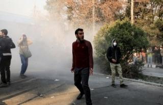 İranlı siyasetçiden göstericilere 'halkın...
