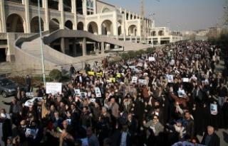İranlı Sünni alimden ülkedeki gösterilere ilişkin...