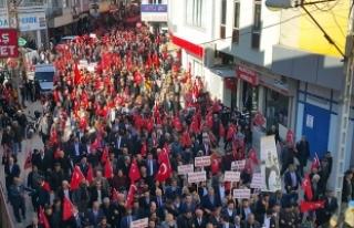 Kadirli'de binlerce kişi Mehmetçik için yürüdü