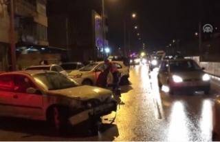 Kaza Yapan Otomobil Savrularak Park Halindeki 7 Araca...