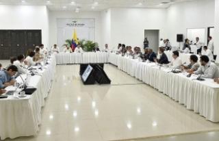Kolombiya'da hükümet ve FARC liderleri bir...