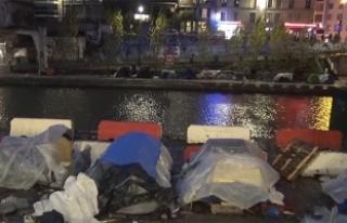 Paris'in ortasında çadırlarda yaşayan sığınmacılar