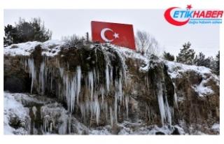 Sivas'ta kar yağışıyla 420 köy yolu kapandı