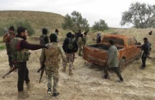 Suriye'de rejim güçleri Ebu Zuhur'dan...