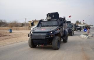 """Suriye sınırında """"güven konvoyu"""""""