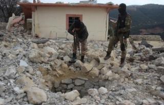 Afrin'de teröristlere ait yeni tüneller ortaya...