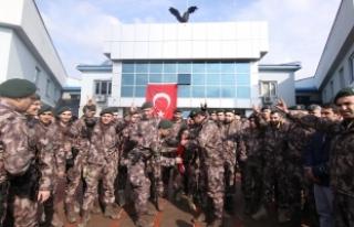 Bingöl'de özel harekat polisleri dualarla Afrin'e...