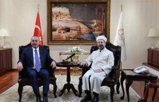 Çavuşoğlu, Diyanet İşleri Başkanı Erbaş'ı...