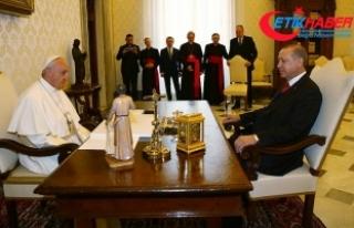 Cumhurbaşkanı Erdoğan ile Papa Franciscus bir araya...