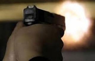 Eşinin ölmediğini anlayınca silahını alıp tekrar...