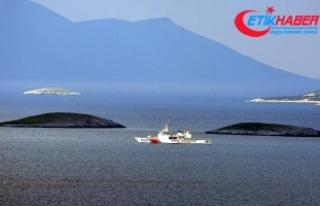 Sahil Güvenlik ve Deniz Kuvvetlerinden Kardak'ta...