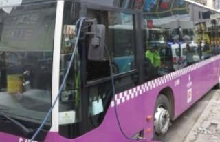 Yine otobüs kazası!. Sürücü: Direksiyon kilitlendi