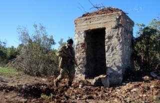 Afrin'deki terör mevzileri topçu atışlarıyla...