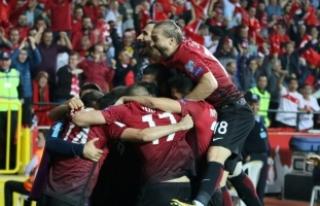 A Milli Futbol Takımı gençleşti