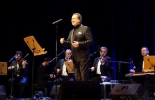 Ahmet Özhan 50. sanat yılını CRR'de kutladı