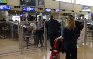 Atatürk Havalimanı'nda kaçak geçişe camlı...