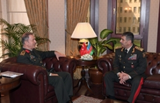 Azerbaycan Savunma Bakanından Orgeneral Akar'a...