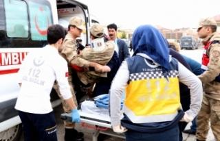 Cezaevi aracı kaza yaptı: 5'i asker 7 kişi...