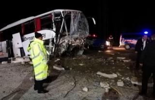 Çorum'da otobüs yoldan çıktı: 2 ölü, 33...