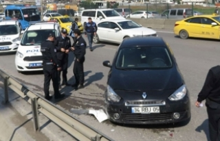D-100'de kaza: Önce otobüsü sonra polis aracına...