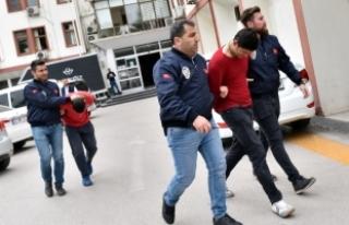 Gasp mağduru polis merkezinde şüphelilerle karşılaştı