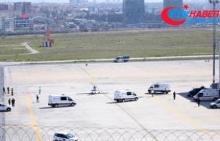 İran'daki jet kazasında ölen 10 kişinin cenazesi...