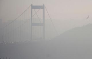 İstanbul Boğazı'nda sis : FSM sis altında...