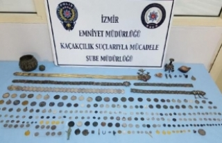 İzmir'de tarihi eser kaçakçılarına operasyon:...