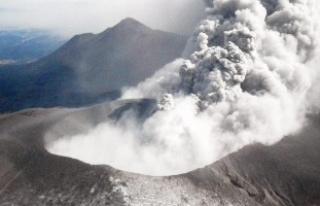 Japonya'da Shinmoe Yanardağı'nda patlama