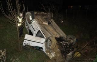 Kaçakları taşıyan araç takla attı: 13 yaralı