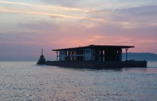 Karaköy'ün yeni iskelesi Tuzla'dan yola...